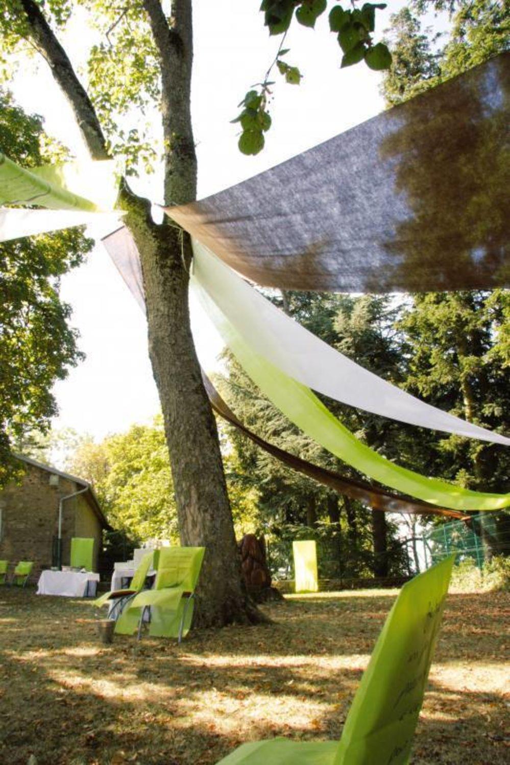 Banner für Wand und Deckendekoration aus grünem Vlies Hochzeit 70cmx8m