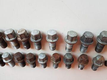 Radbolzen Radschraube M14x1,5x26,5 A0009904907 Mercedes W204 W212 W218 W164