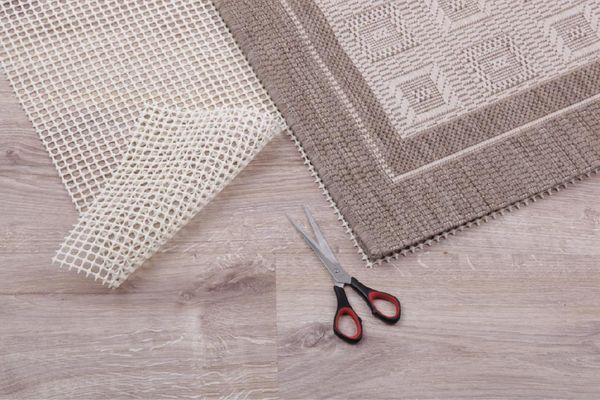 teppich gleitschutz sicherheitsunterlage teppichunterlage anti rutsch matte ebay. Black Bedroom Furniture Sets. Home Design Ideas
