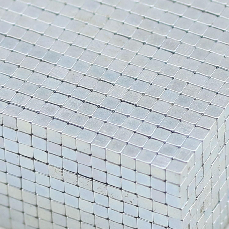 100 neue Würfelmagnete Neodym 5x5x5 mm N 42 für Pinnwand Büro etc...