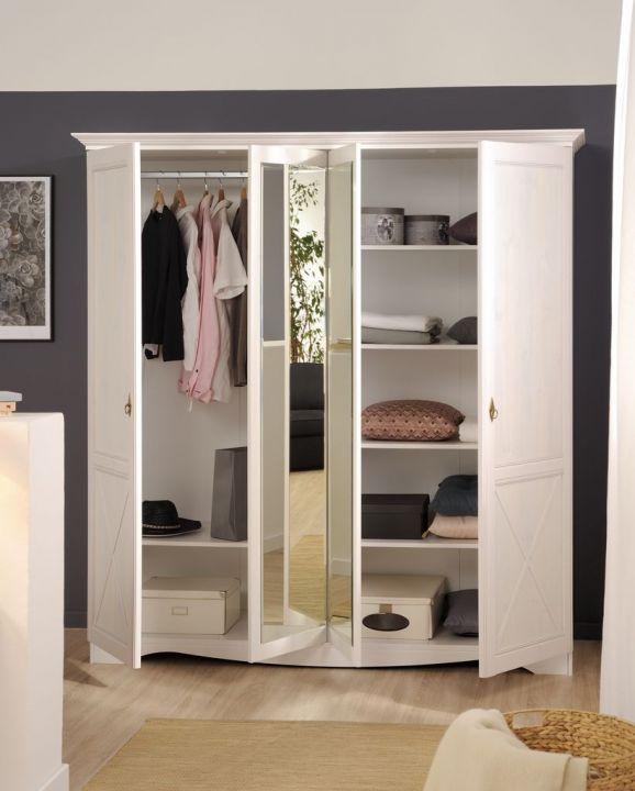 kleiderschrank mit vielen f chern und 2 spiegelt ren wei. Black Bedroom Furniture Sets. Home Design Ideas