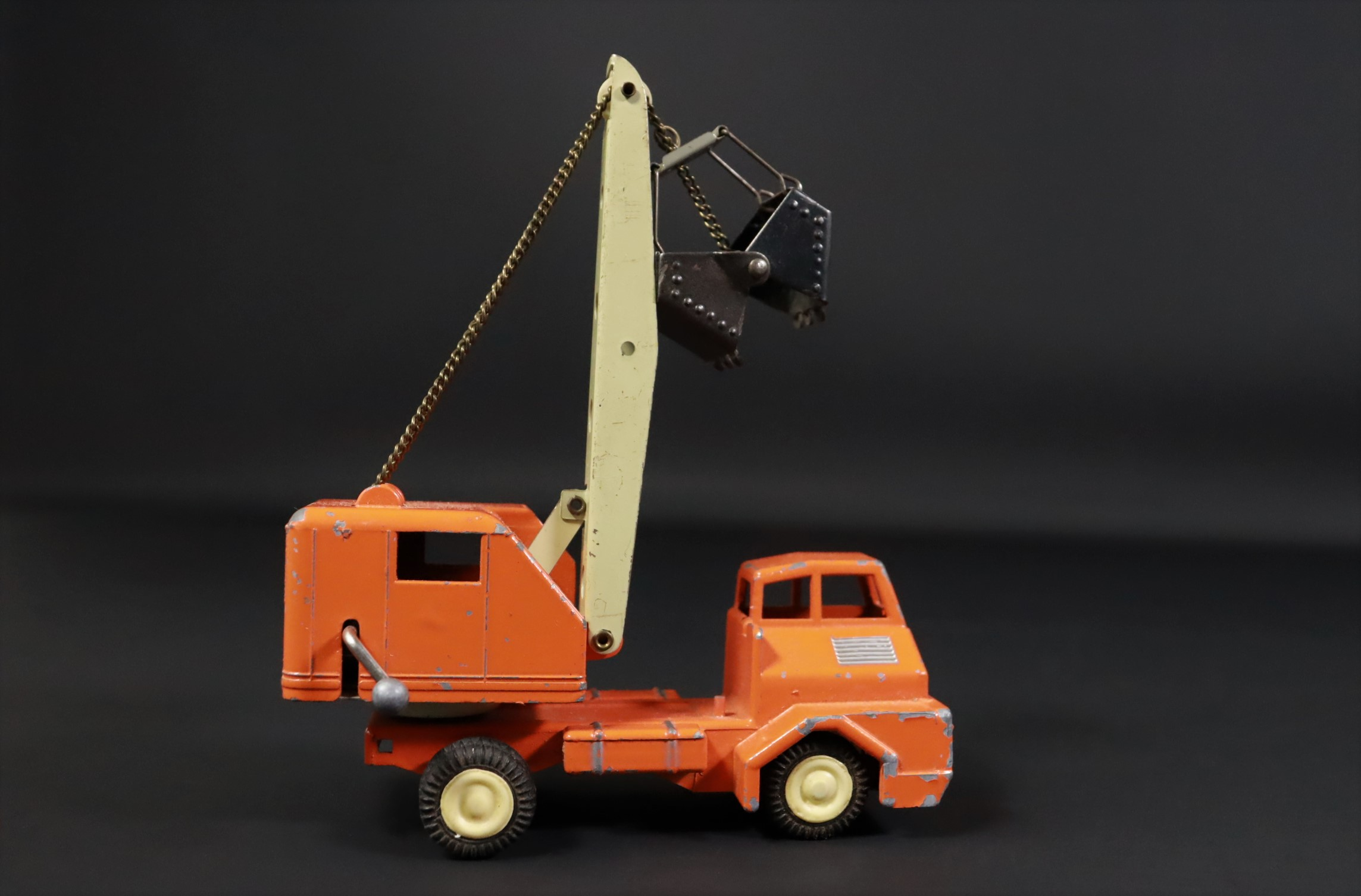 Gama / Kranwagen / LKW / orange / Modellauto #U2 5