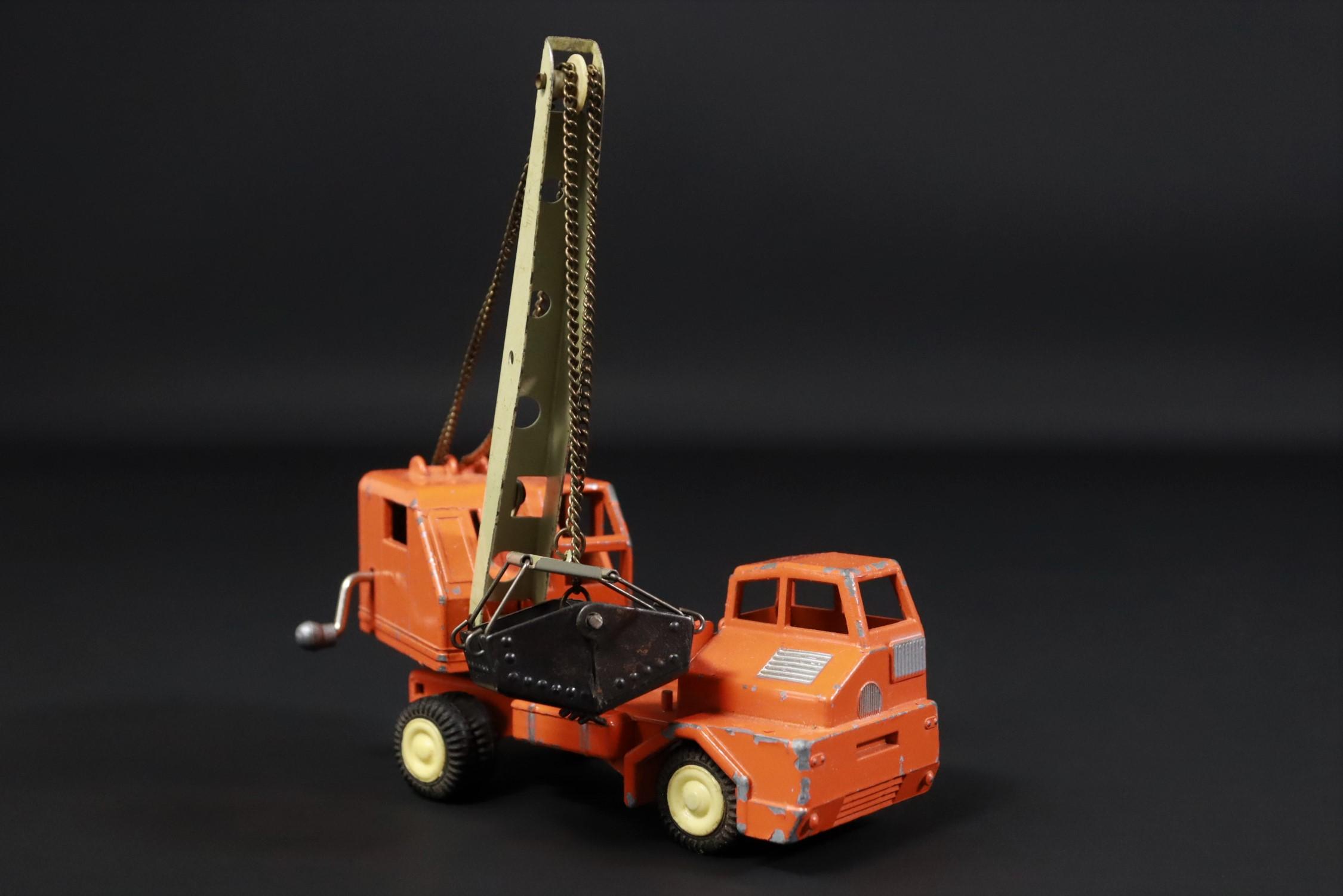 Gama / Kranwagen / LKW / orange / Modellauto #U2