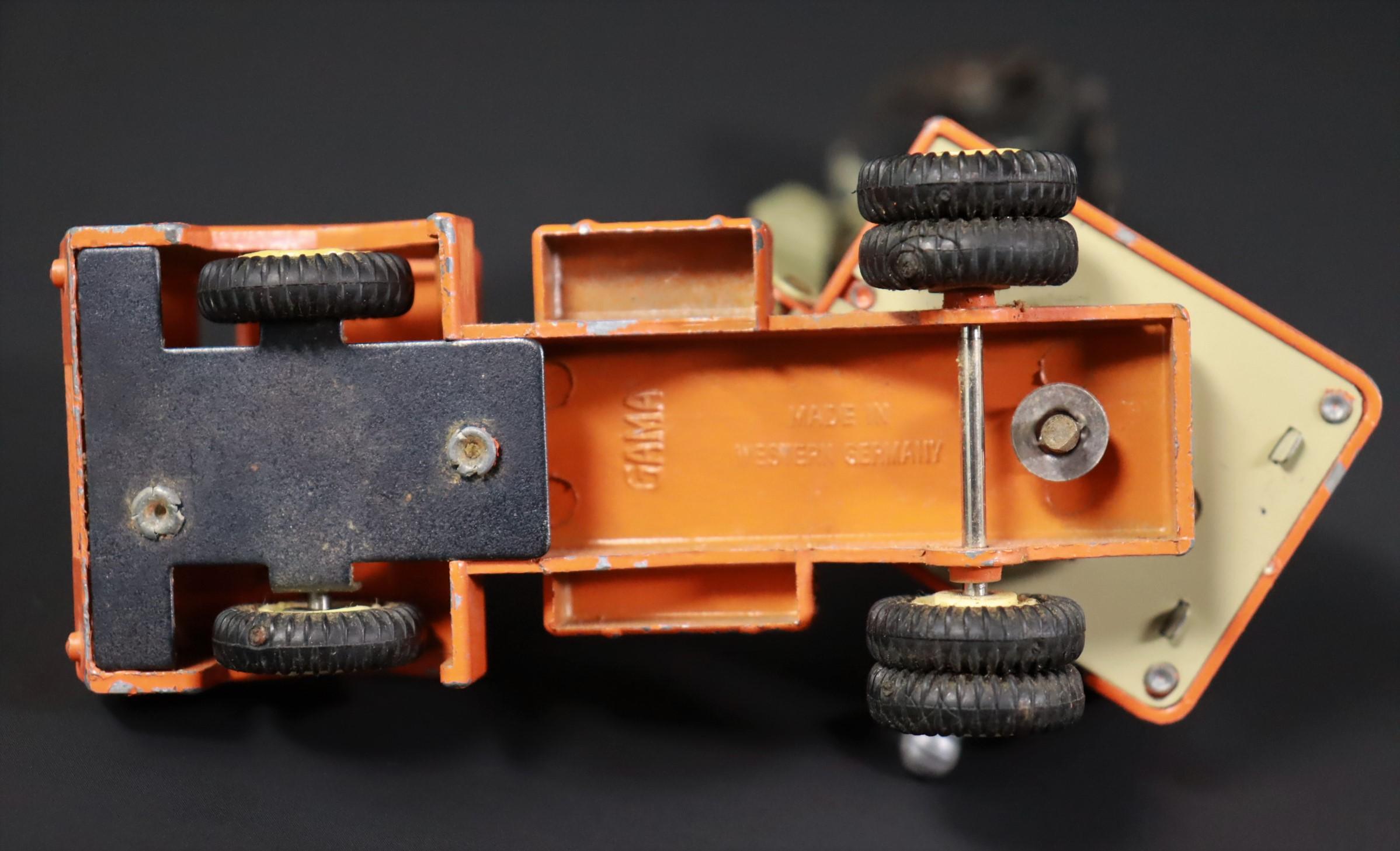 Gama / Kranwagen / LKW / orange / Modellauto #U2 6