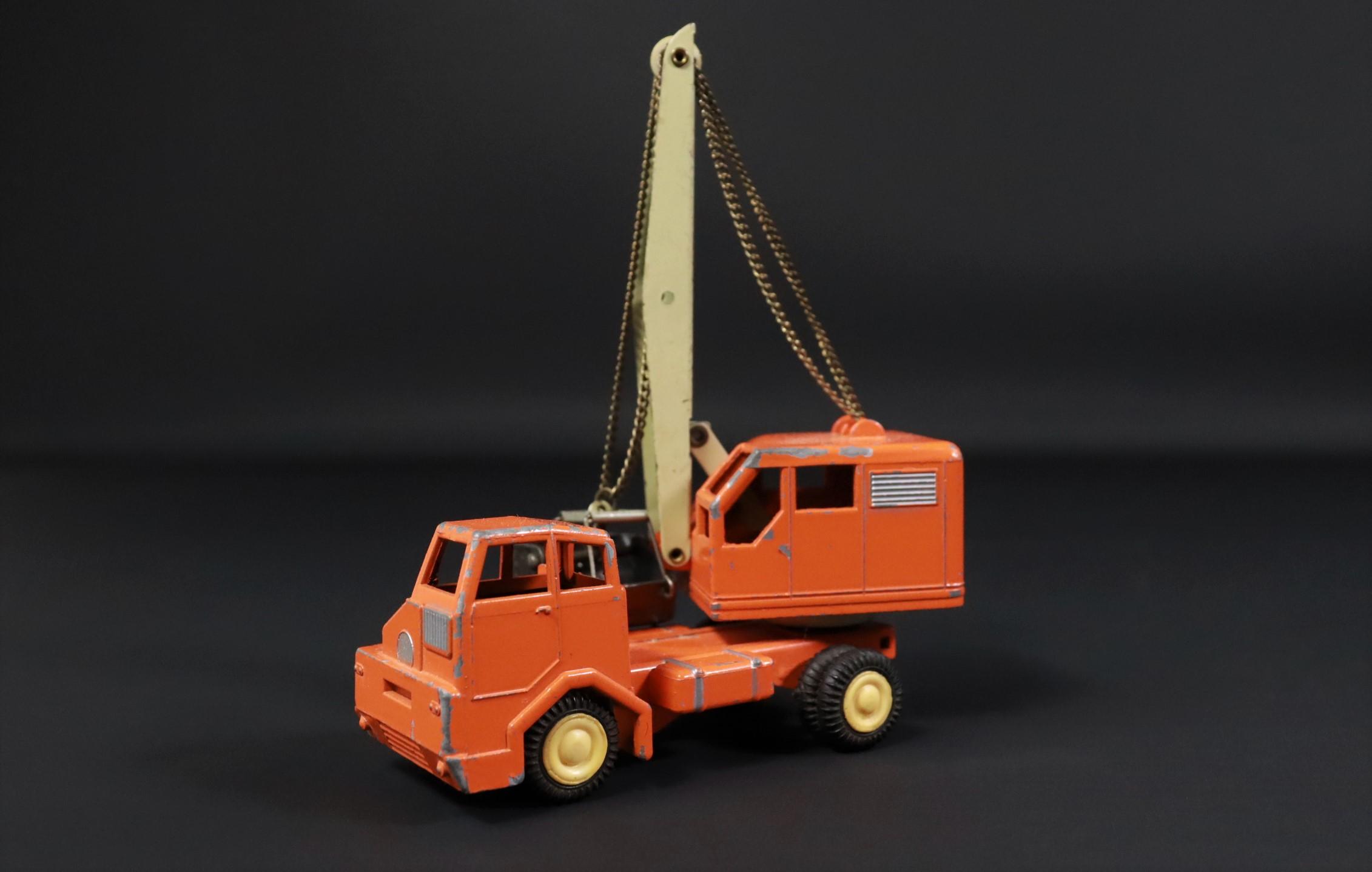 Gama / Kranwagen / LKW / orange / Modellauto #U2 2
