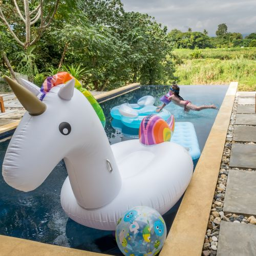 aufblasbares riesen einhorn luftmatratze f r sommer swimming pool party 270 cm ebay. Black Bedroom Furniture Sets. Home Design Ideas