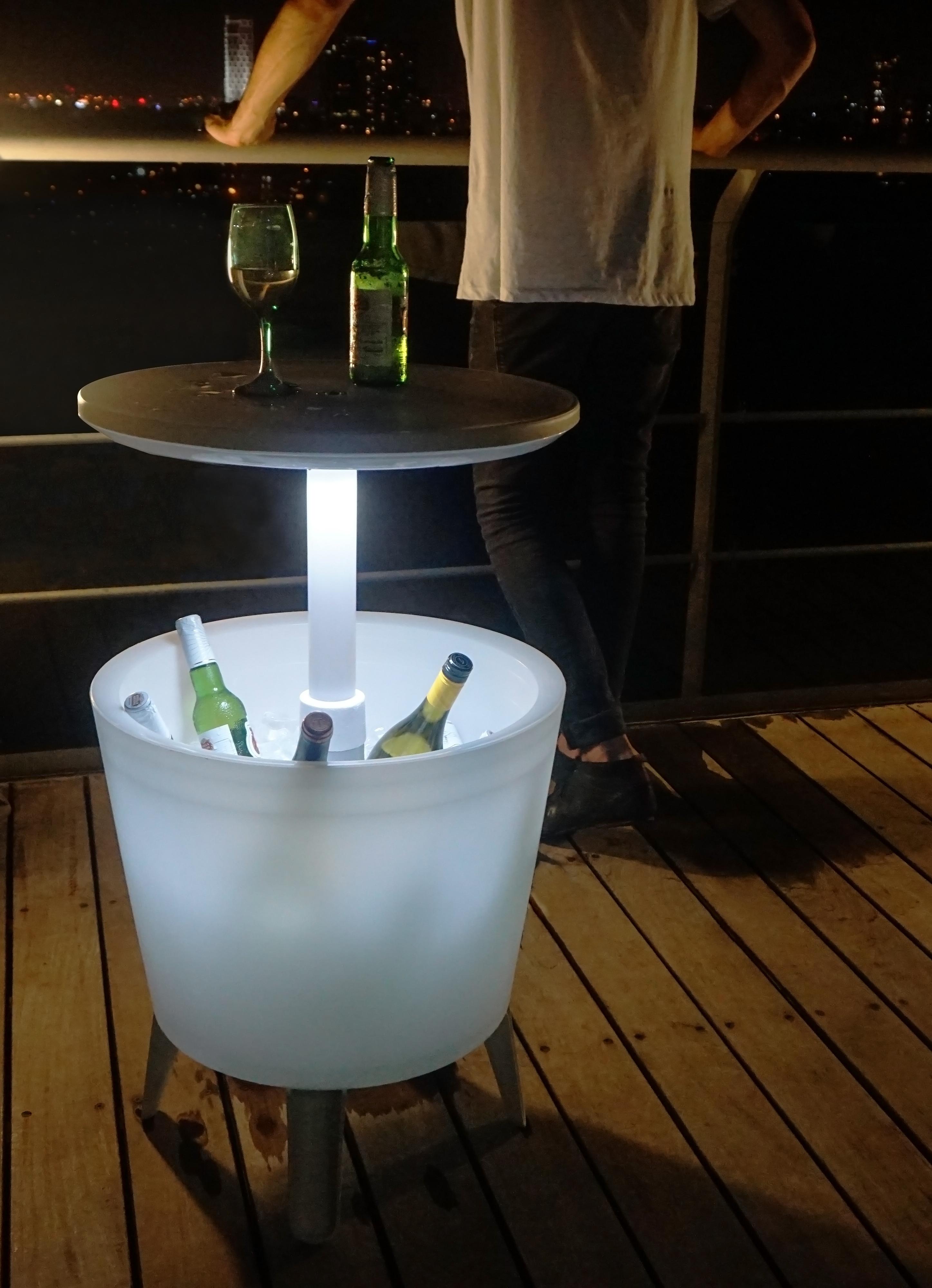Keter Illuminated Coolbar mit Licht Bistrotisch Stehtisch mit ...