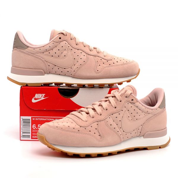 innovative design 38da6 1800c Nike Air wmns internationalist 828404-204