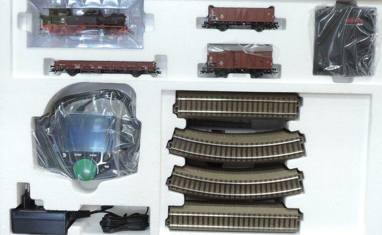 """Trix 21518 Spur HO Startpackung /""""Nebenbahn/"""" mit BR 74 DB #NEU in OVP#"""
