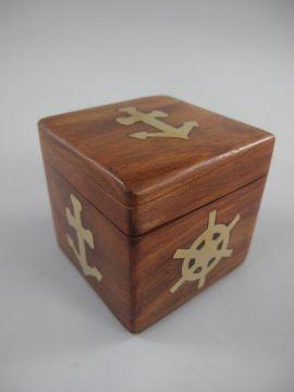 Würfel Spiel G4679 Würfelspiel in Holzbox aus edlem Holz mit Messingeinlagen