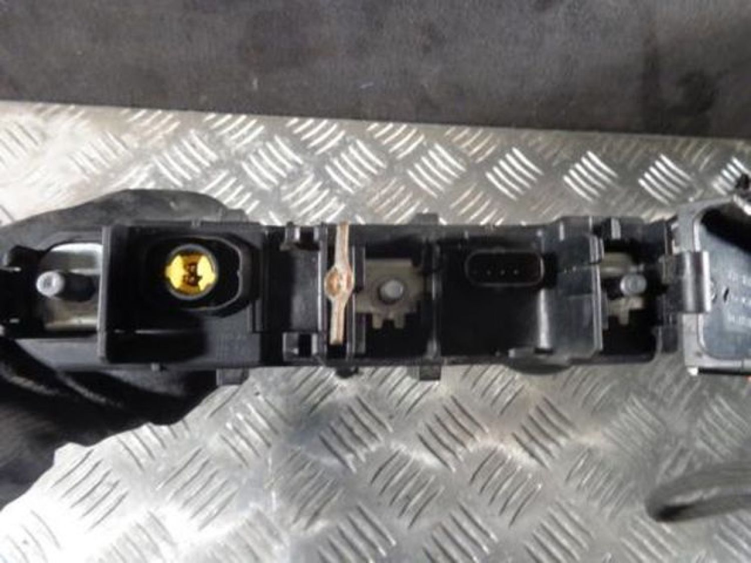 Mercedes W204 C Class Fuse Box 2075401850 Ebay 2010 Benz For