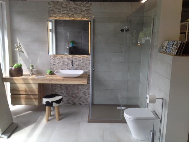 aluminium schwallschutz duschkabine gerade schwallleiste. Black Bedroom Furniture Sets. Home Design Ideas