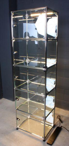 usm haller regal glas vitrine mit t ren usm e led rohr beleuchtung neues design ebay. Black Bedroom Furniture Sets. Home Design Ideas
