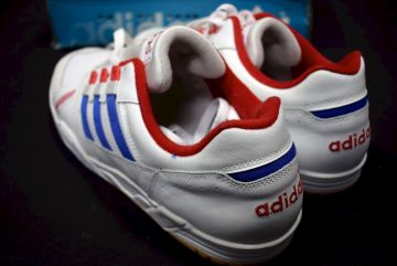 ADIDAS SRV SNEAKER Trainers Sport Schuhe Trainers Vintage