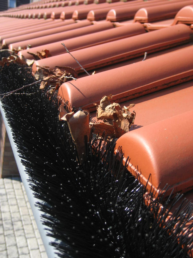 25 st ck 30m dachrinnenschutz bl tterschutz f r. Black Bedroom Furniture Sets. Home Design Ideas