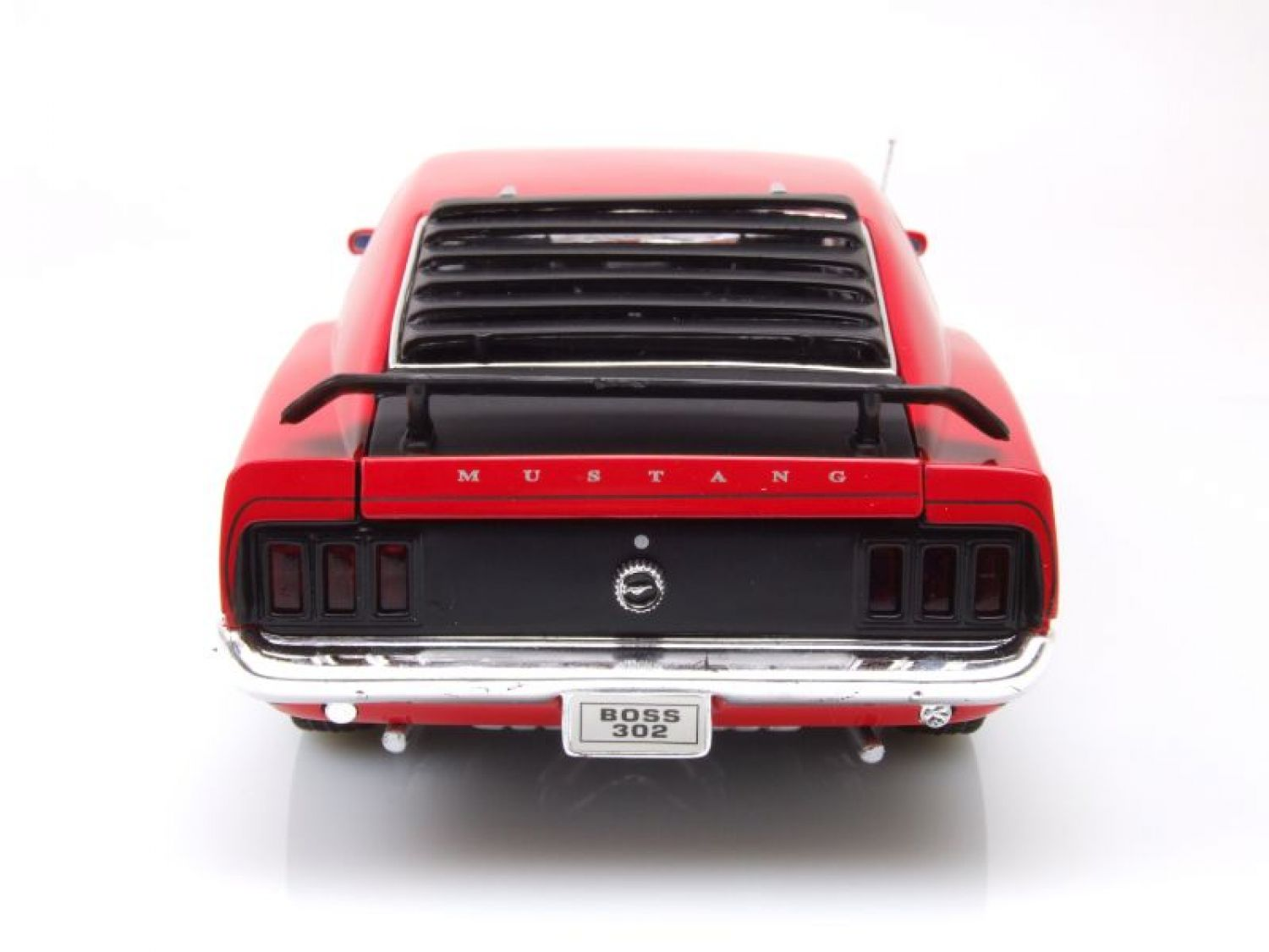 Ford Mustang Boss 302 1970 rot, Modellauto 1:18 / Welly | eBay