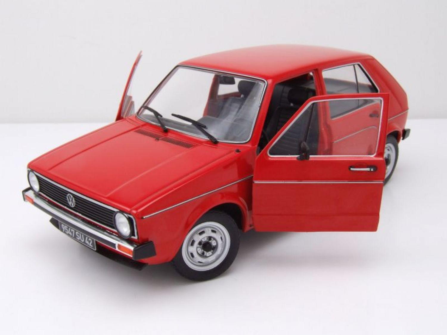 vw golf 1 l rot modellauto 1 18 solido ebay. Black Bedroom Furniture Sets. Home Design Ideas