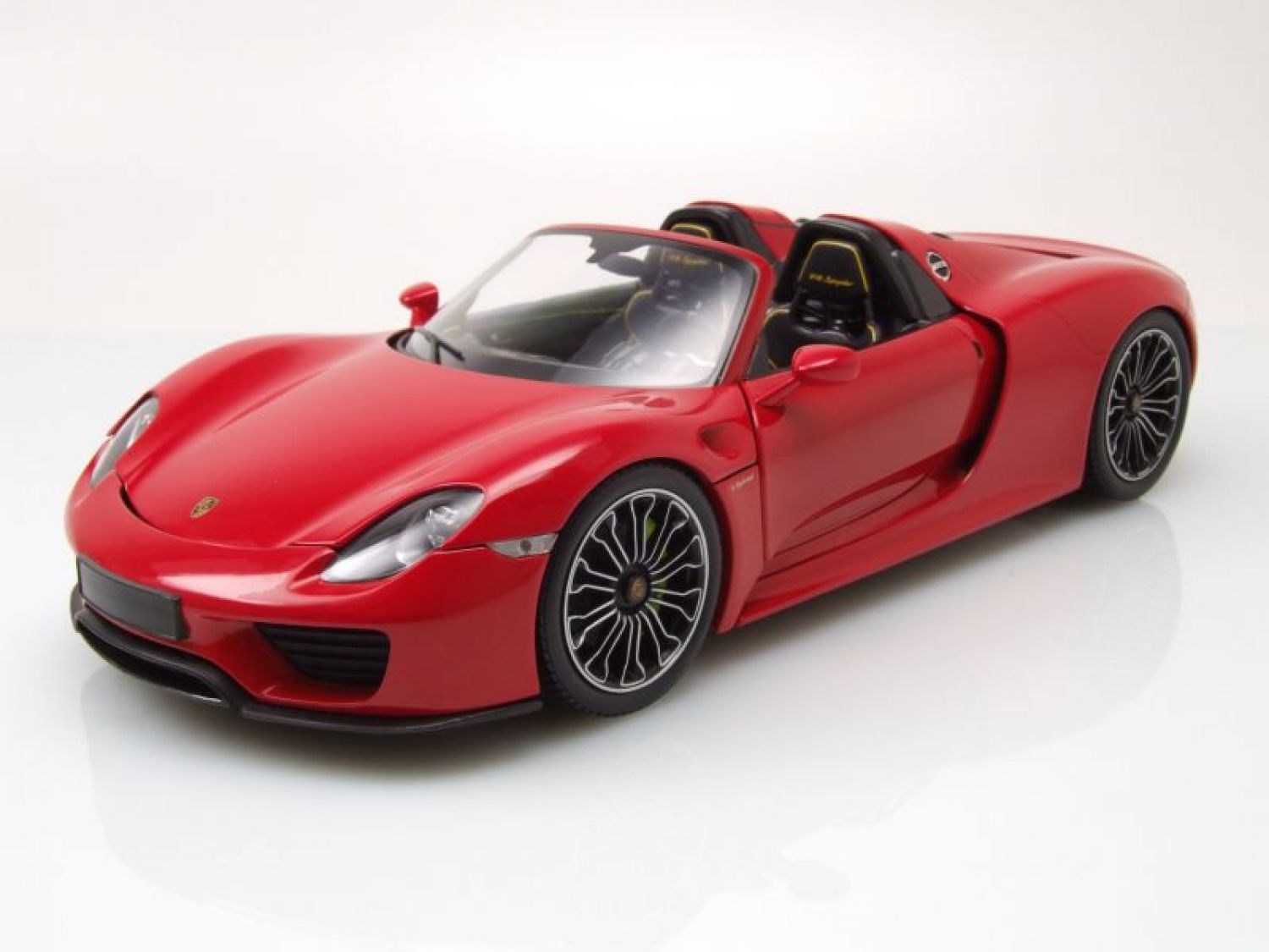 porsche 918 spyder 2013 rot modellauto 1 18 minichamps. Black Bedroom Furniture Sets. Home Design Ideas