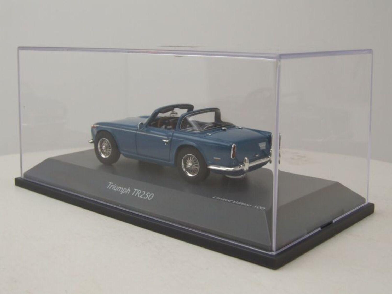 Schuco Triumph TR250 grün #450880800 08808 - 1:43