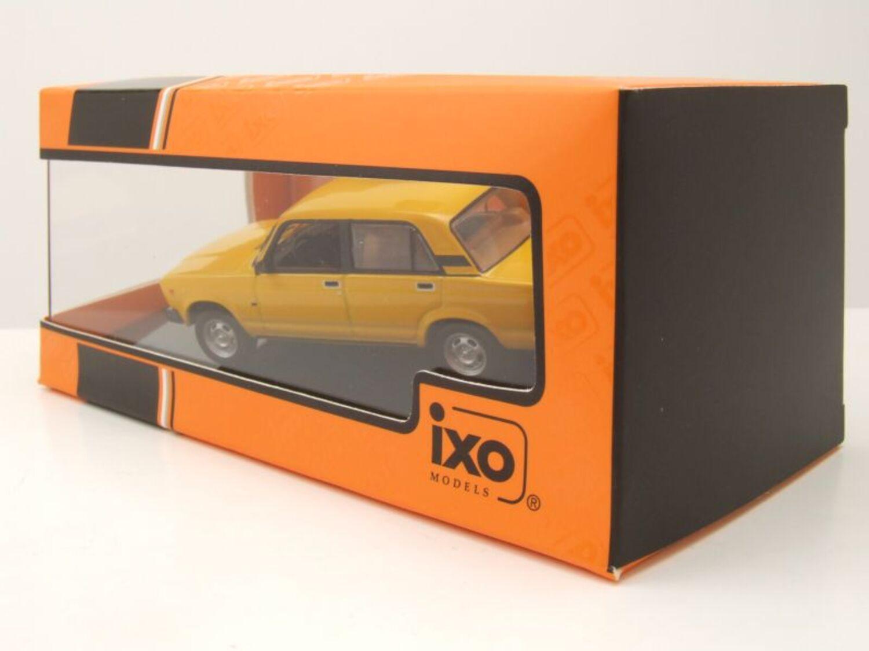 Lada 2105 1981 gelb Modellauto 1:43 ixo models