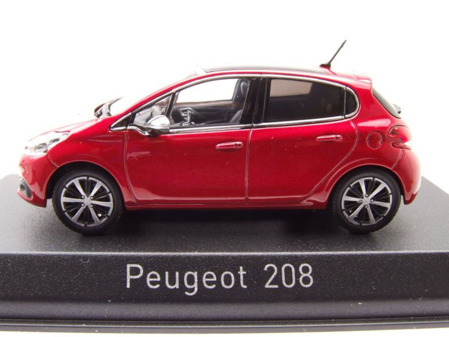 peugeot 208 2015 rouge m tallique mod le de voiture 1 43 norev ebay. Black Bedroom Furniture Sets. Home Design Ideas