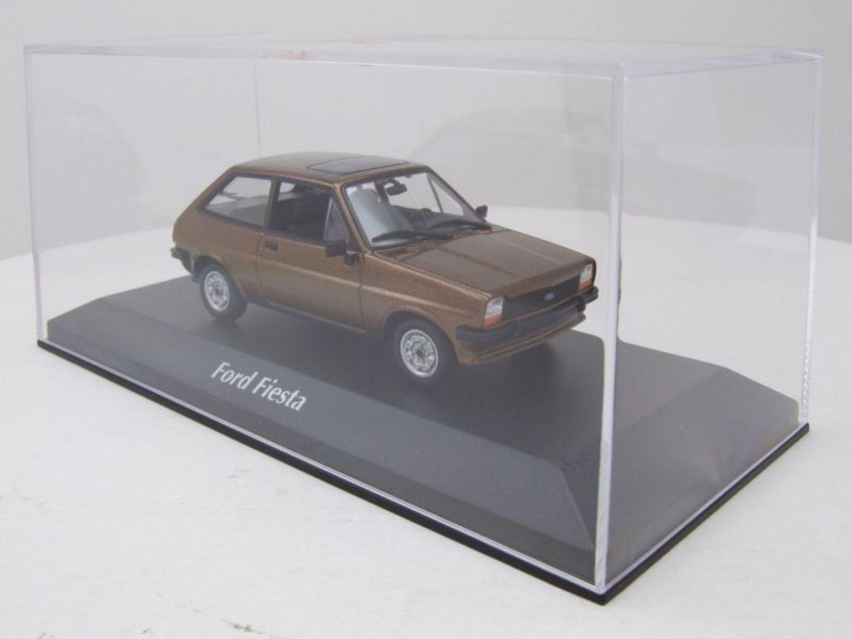 Ford Fiesta  1976  braun metallic  Maxichamps//Minichamps  1:43  OVP  NEU