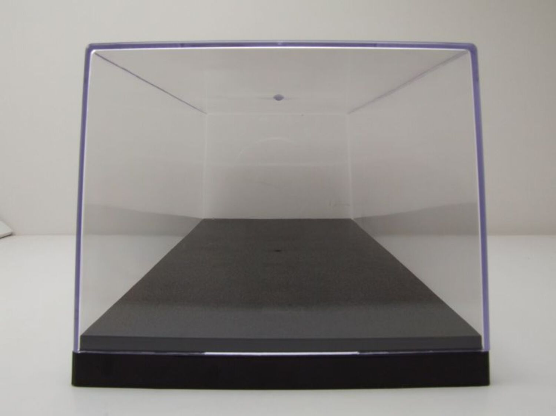 Caja vitrina para 1:18 modelos triple 9