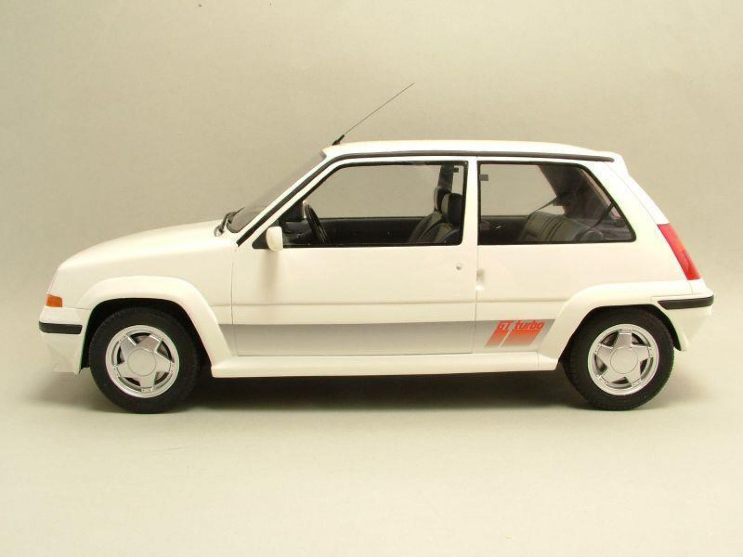 renault super 5 gt turbo 1987 blanc m tallique mod le de. Black Bedroom Furniture Sets. Home Design Ideas
