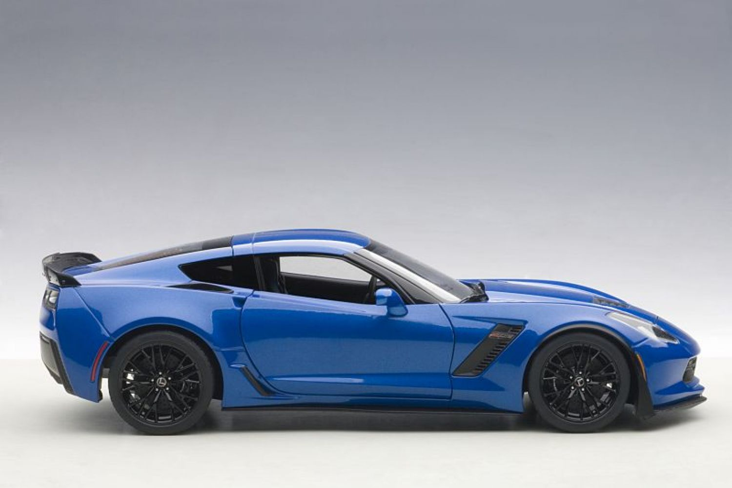 Nero GreenLight 1:24 2019 Chevrolet Corvette Z06 Coupe 18255